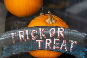 Main image for Police release 'No Trick-or-Treaters' poster