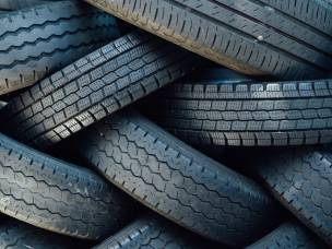 """Main image for """"Check your tyres"""" says charity"""